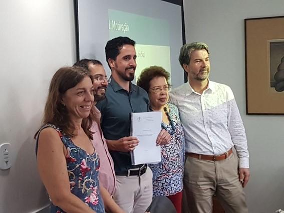 O atributo alt desta imagem está vazio. O nome do arquivo é Noticias-2018-Pablo-Saturnino-Braga-defesa-de-tese.jpg